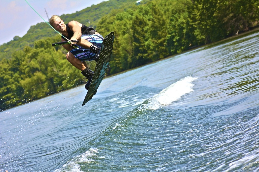 wakeboarding, pontoon living, ourdoor activity