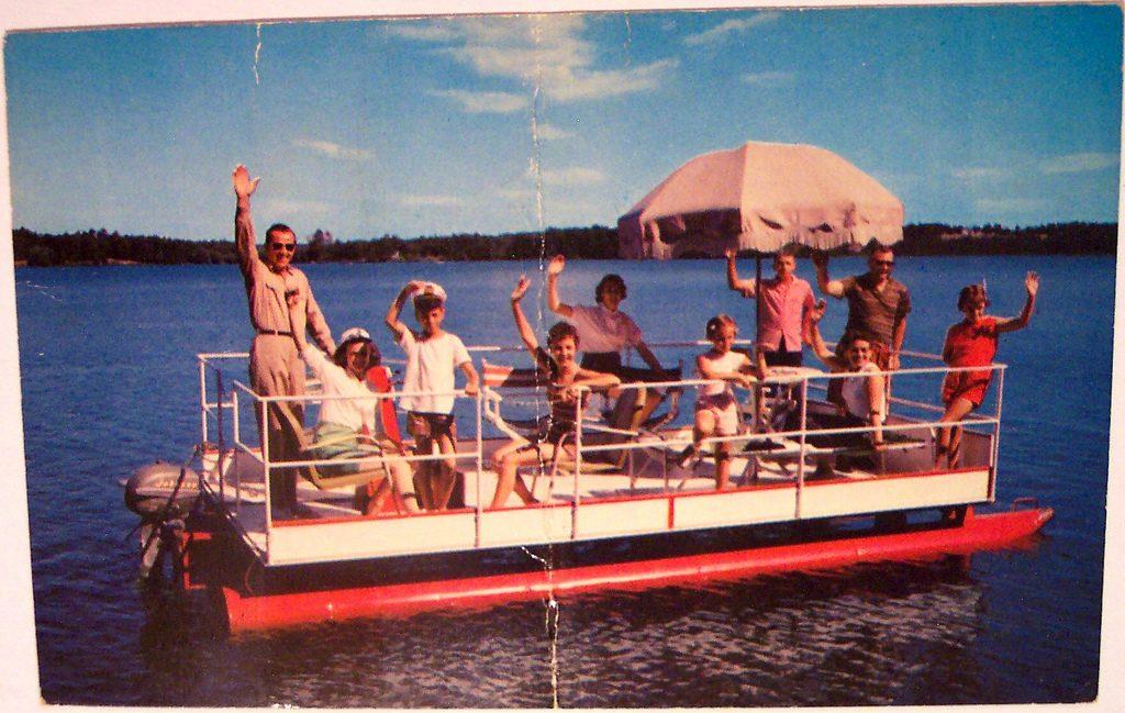 Vintage, Minnesota's land of 10000 lakes postcard